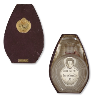 "Rrose Selavy (Марсель Дюшан). Флакон вуалетной воды ""Belle Haleine"". Christie's, февраль 2009 - $11,5 млн."