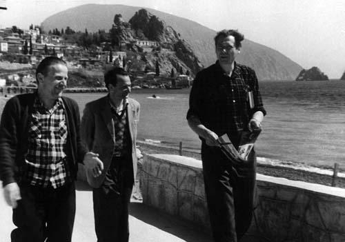 На пленэре в Гурзуфе: П.Столяренко, С.Кацевич, Ф.Захаров. 1960-е гг.