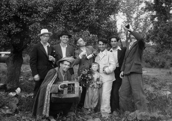 В.Бернадский, В.Апанович, Ф.Захаров с друзьями. 1950-е гг.