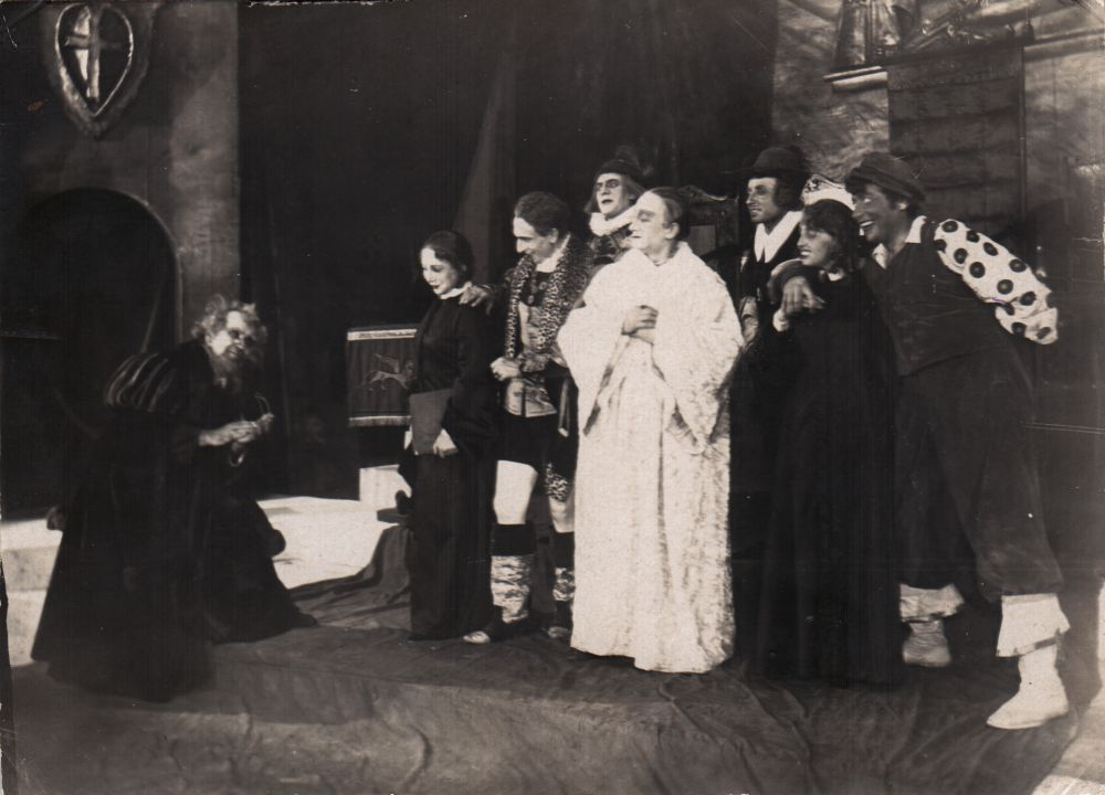 Сцена из спектакля «Венецианский купец» по У. Шекспиру. Киевский Всеукраинский ГОСЕТ, 1936