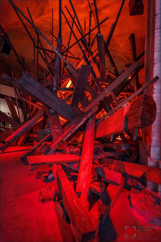 Масштабный музейный проект «Тіні забутих предків. Виставка»