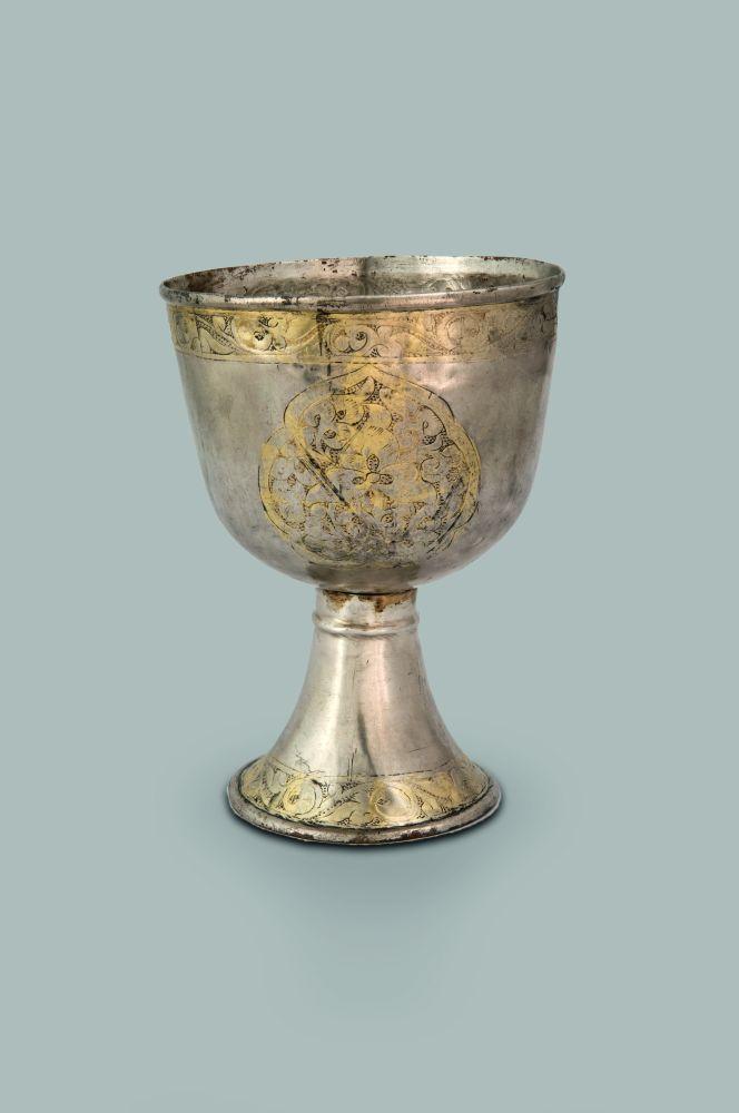 Серебряный позолоченный кубок. XIII–XIVвв. Случайная находка вКиеве