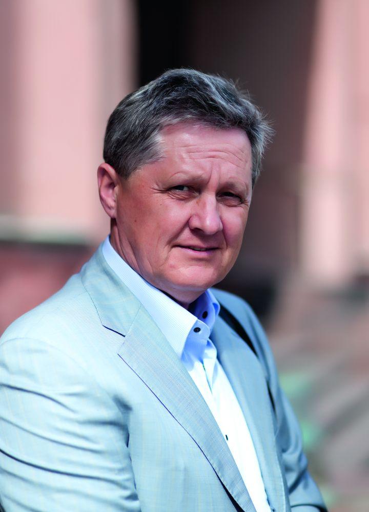 Александр Ткаченко, меценат, популяризатор творчества В. Зебека Фото В. Шепеля