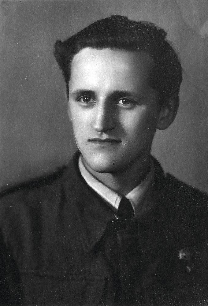 Болеслав Вольский—первокурсник архитектурного факультета Варшавской Политехники. Фото 1946г.