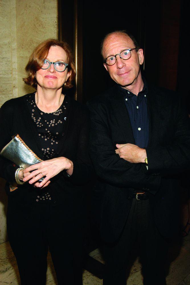 Знаменитая чета штатных арт-критиков: Роберта Смит (The New York Times) и Джерри Залц (The Village Voice)