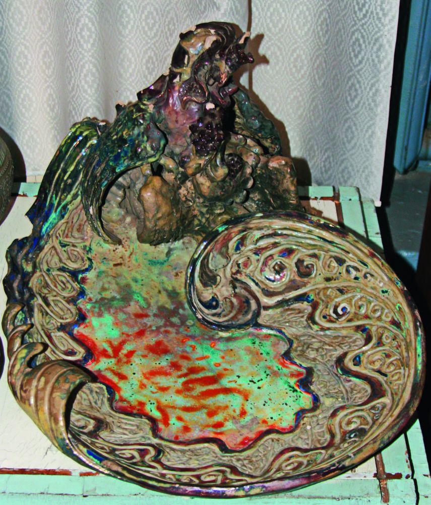 Визитница сфигурой сказочной птицы. Музей Миргородского художественно-промышленного колледжа