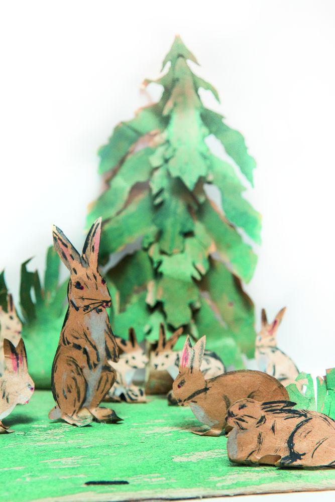 Подставочная игрушка под ёлку «Зайцы в лесу». Первая четверть ХХ в.