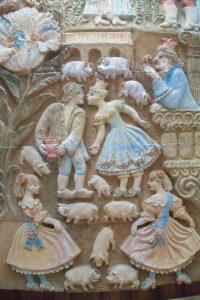 Принцесса и свинопас. Фрагмент панно на стене «Комнаты сказок» в Национальной библиотеке Украины для детей. Фото Д. Краснова