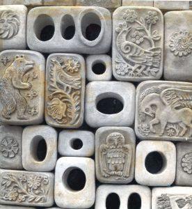 Фрагмент керамического рельефа навоздухозаборной шахте вПуще-Водице. 1973. Фото изархива О.Рапай