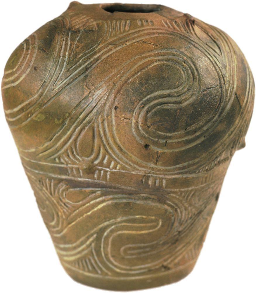 Горшок. Кон. V—нач. IV тыс. дон. э. Керамика; выс. 33см. Инв. № ПКП 4