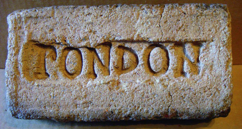 Огнеупорный кирпич — один из видов «Лондона», найденный в с. Пятигорье (ныне Ровенская обл.)