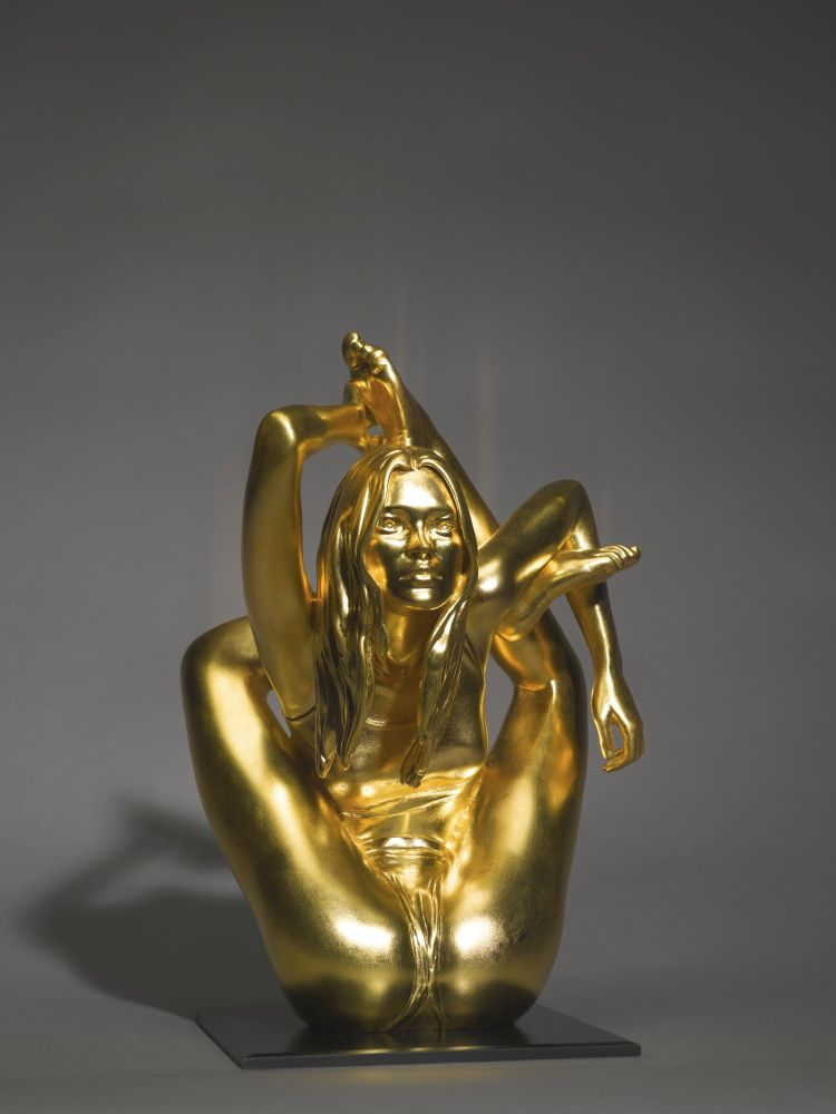 """Марк Куинн. Макет для скульптуры """"Сирена"""". Бронза, 24-каратное сусальное золото."""