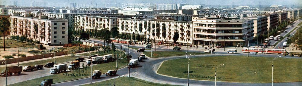 Ленінградська (нині Дарницька) площа. 1969. Фото М. Козловського