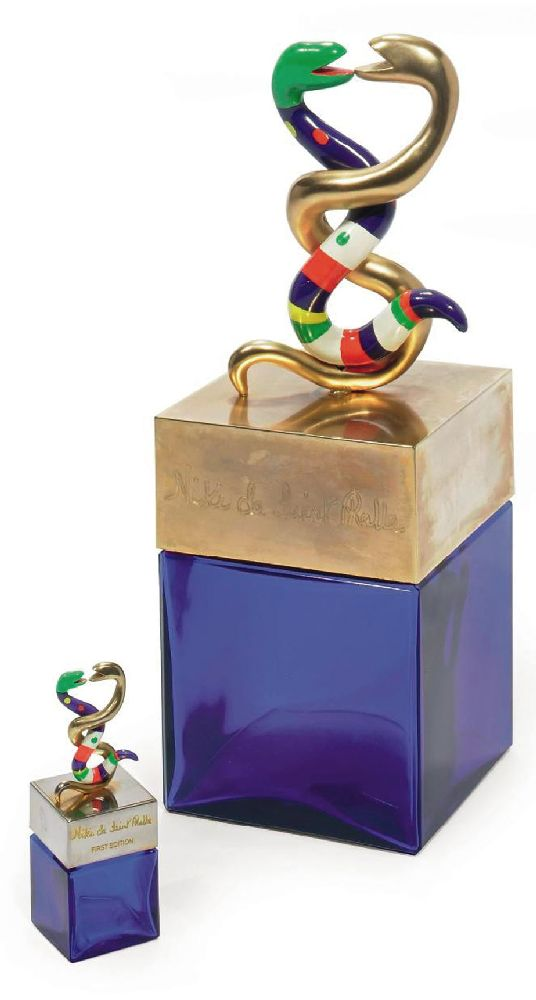 Ники де Сен-Фаль для«Niki de Saint Phalle». Фактис «Gant du Parfum». 1982. Cтекло, полистирол. Выс. 36,2см. Christie's, март 2010—$2,8 тыс.