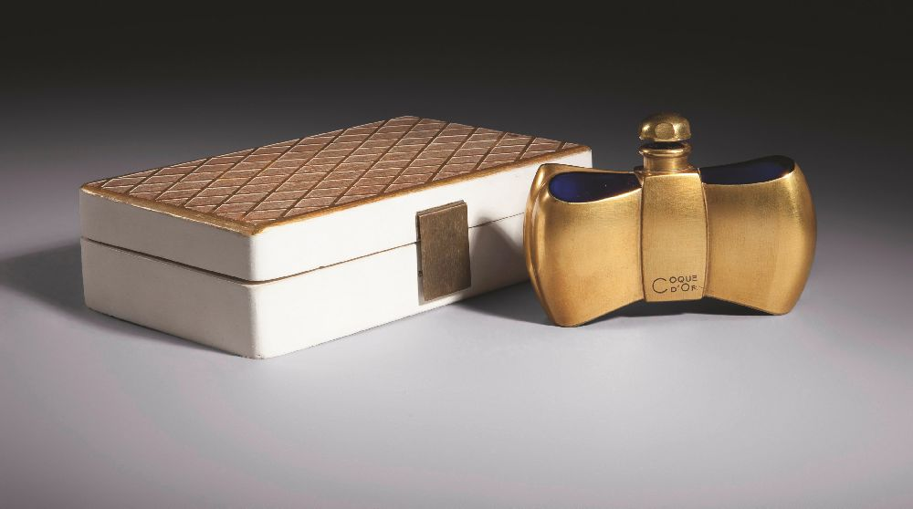 Ж.‑М.Франкдля«Guerlain». Coque d'Or. 1937. Выс. 7,5см. Christie's, март 2011—$14 тыс.