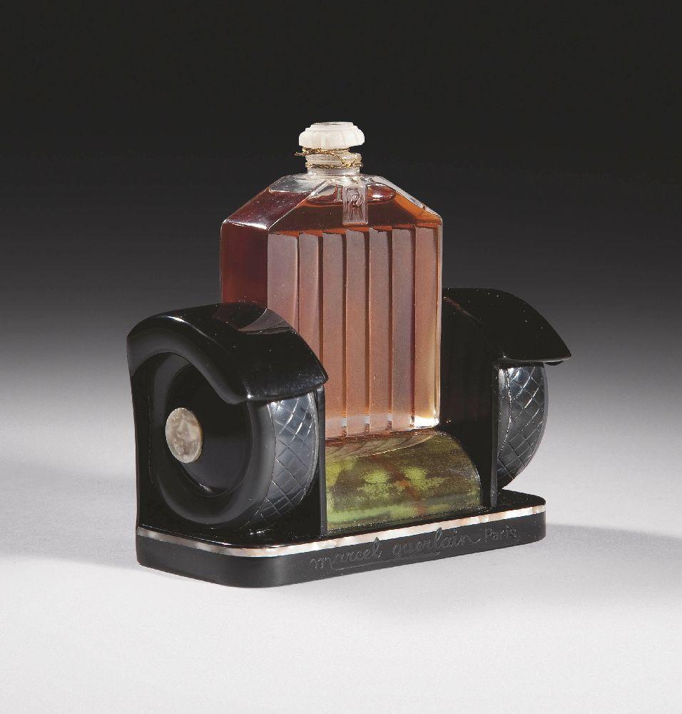 Rolls Royce. «MarcelGuerlain». 1926. Выс. 13,7см. Christie's, март 2011—$31 тыс.
