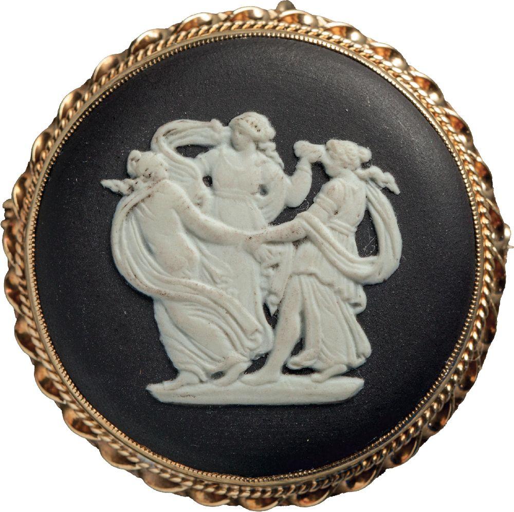 Камея «Три грации». Англия, фарфоровая мануфактура «Wedgwood». Victoria Museum