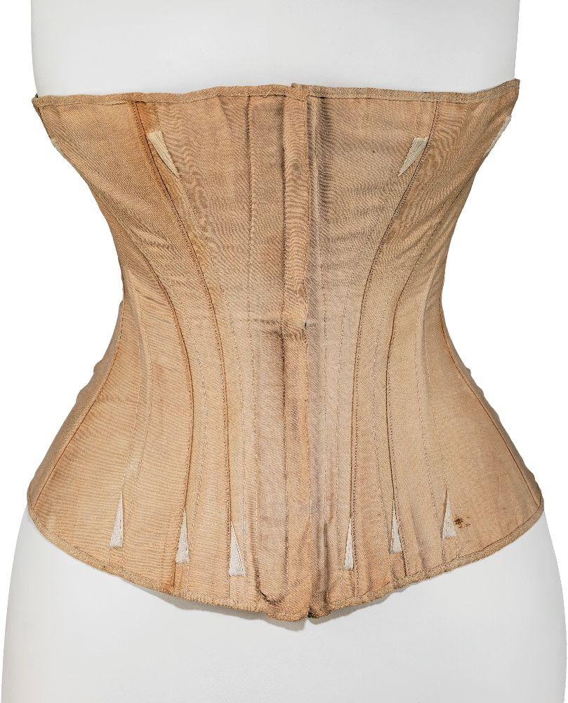 Корсет. США, Worcester Corset Company, 1861–1863. Хлопок, кость. Коллекция костюмов Бруклинского музея