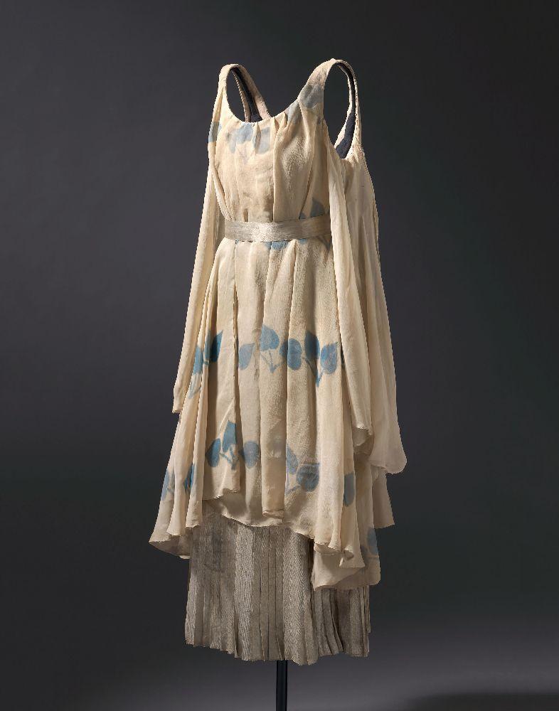 Л.Бакст. Туника (костюм нимфы длябалета «Послеполуденный отдых фавна»). 1911. Национальная галерея Австралии