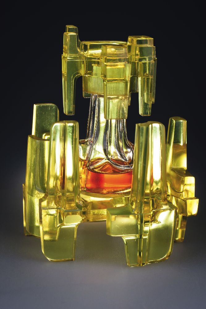 Флакон длядухов «Variations». ДизайнЖ.Маннони. «Carven». 1971. Одесский музей истории упаковки аромата