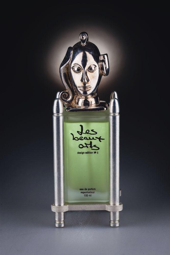 Флакон дляпарфюмированной воды «Diana». Оформление крышки П.Вундерлиха. «Les Beaux Arts». 1995. Одесский музей истории упаковки аромата