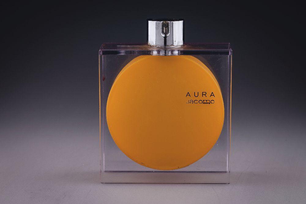Флакон длядухов «Aura». «Jacomo». 2001. Одесский музей истории упаковки аромата
