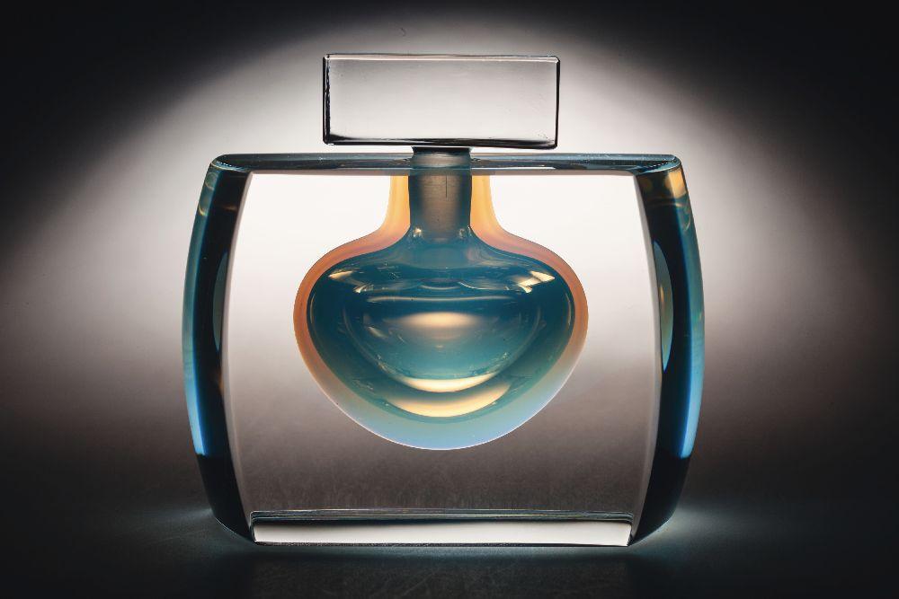 Флакон дляодеколона «White». Лимитированный выпуск. «Lalique». 2008. Одесский музей истории упаковки аромата