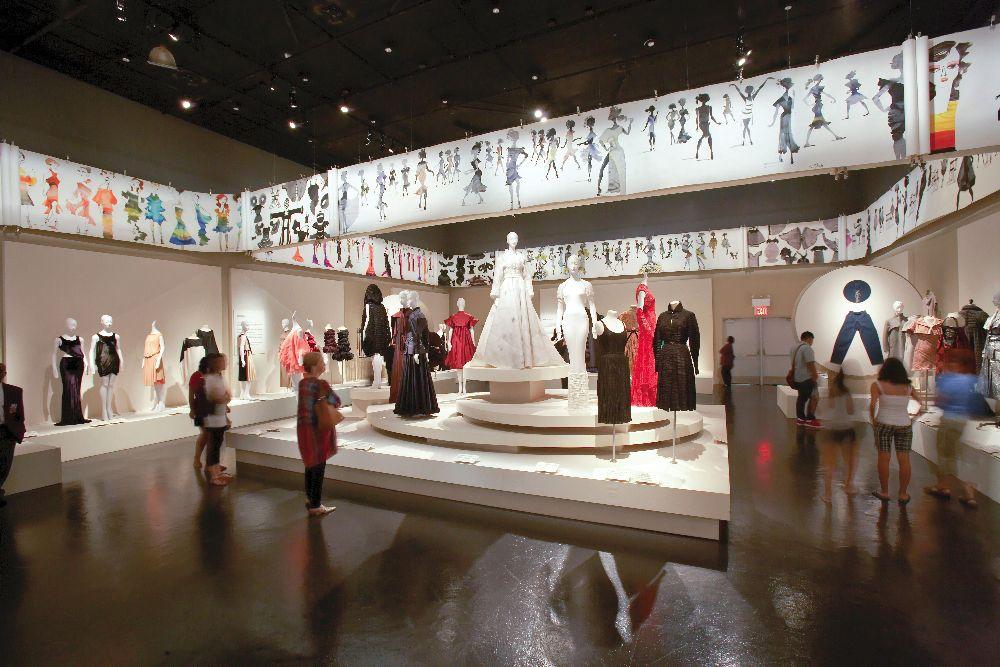 Один из залов Музея Технологического института индустрии моды