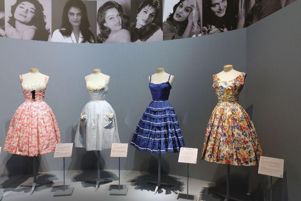 Экспонаты выставки «Далида: гардероб в жизни и на сцене». Пале Гальера, 2017