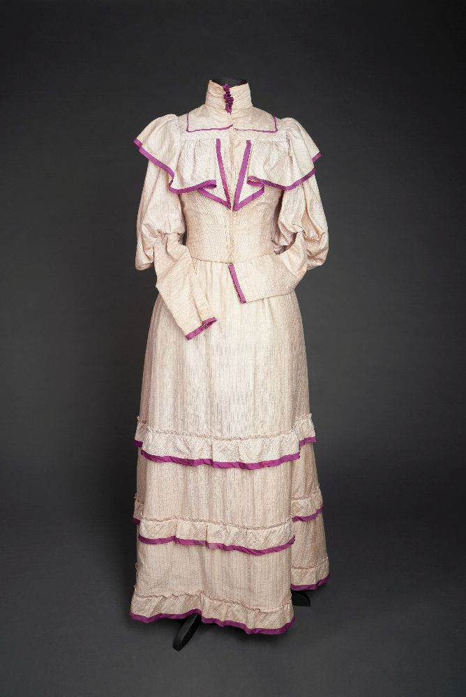 Платье. 1-я. пол. XIX в. Victoria Museum Dress. First half of the 19th century. Victoria Museum