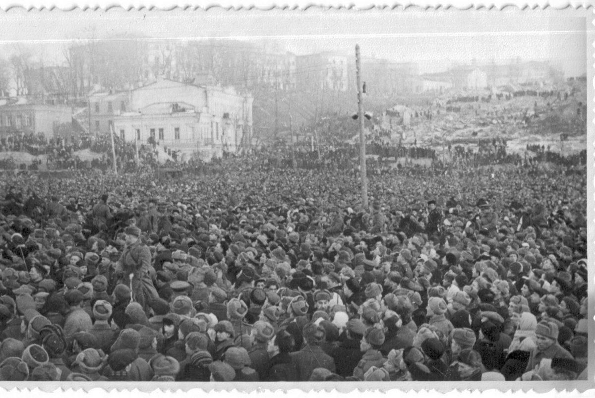 Киев-1944 Думская пл. - казнь 007