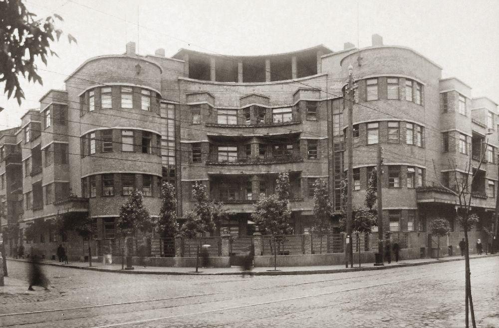 «Дом врачей» наул. Б.Житомирской, 17 (до1944г.—ул. Горовица), где с1930года жила семья П.Алёшина. Фото 1930‑х гг. ЦГАМЛИ Украины