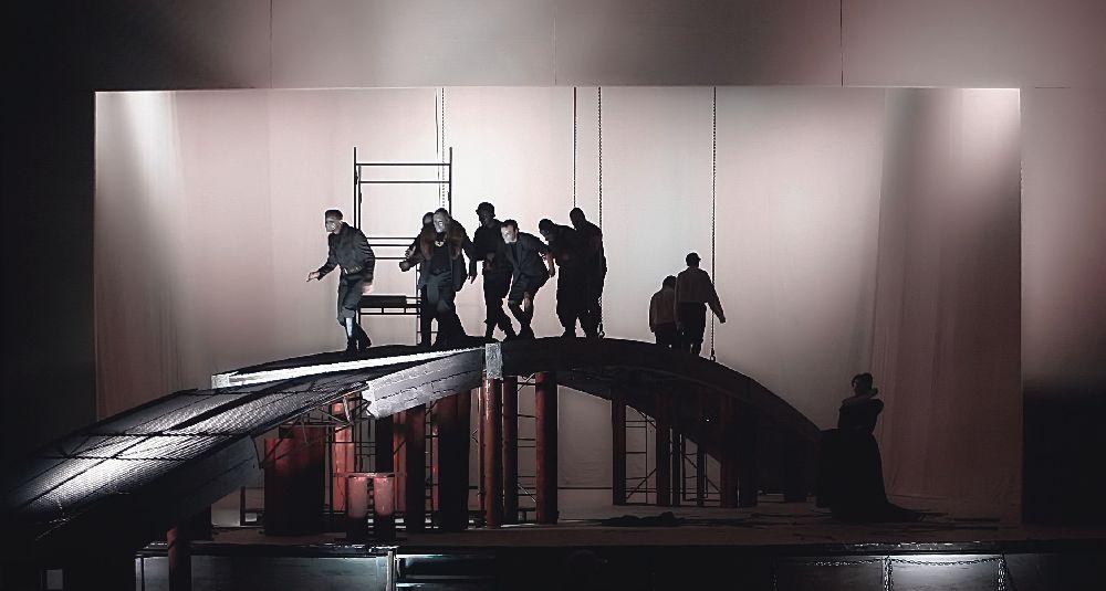 Сцена з вистави «Ерік ХІV»