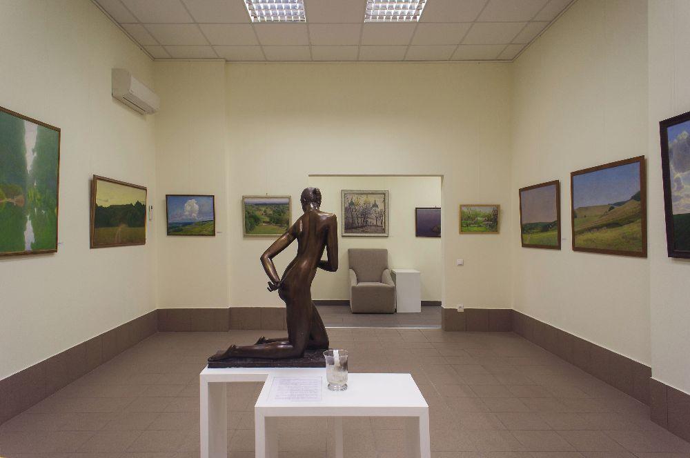 Інтер'єр галереї «Синій вечір»